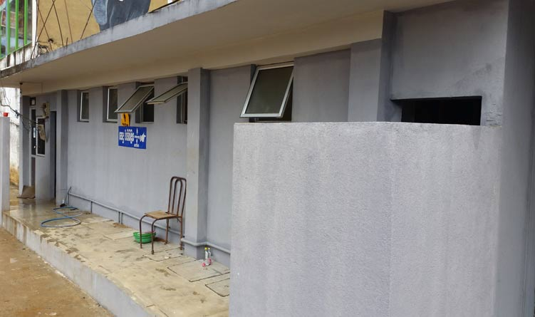 Public-toilet-in-Deraniyagala-Town